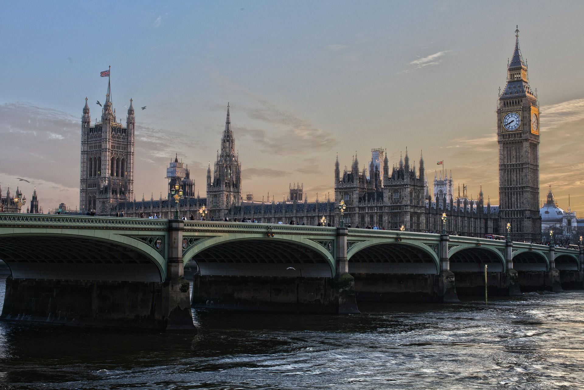 """Великобритания состоит из 4 """"исторических стран"""""""