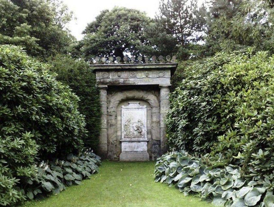 Памятник пастуху в Англии