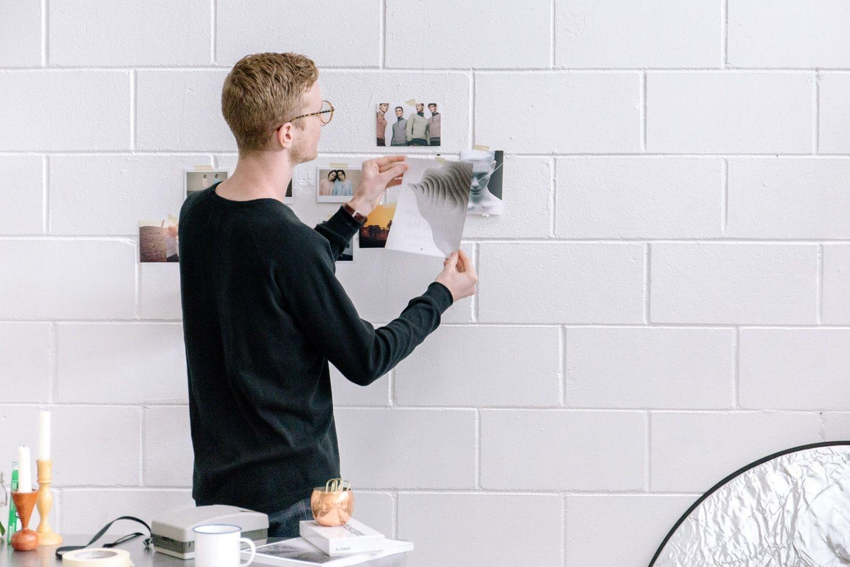 Фотоснимки на стене